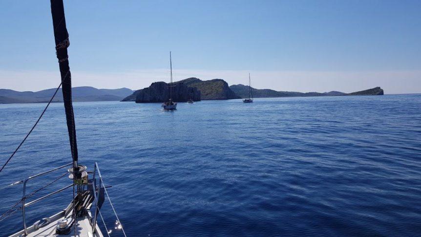 Nasze 4 jachty w drodze na klify